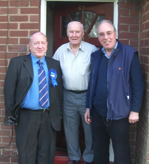 Cllr Les Quinn and Sir Robert with MUFC legend Jack Crompton, goalkeeper in the winning 1948 team